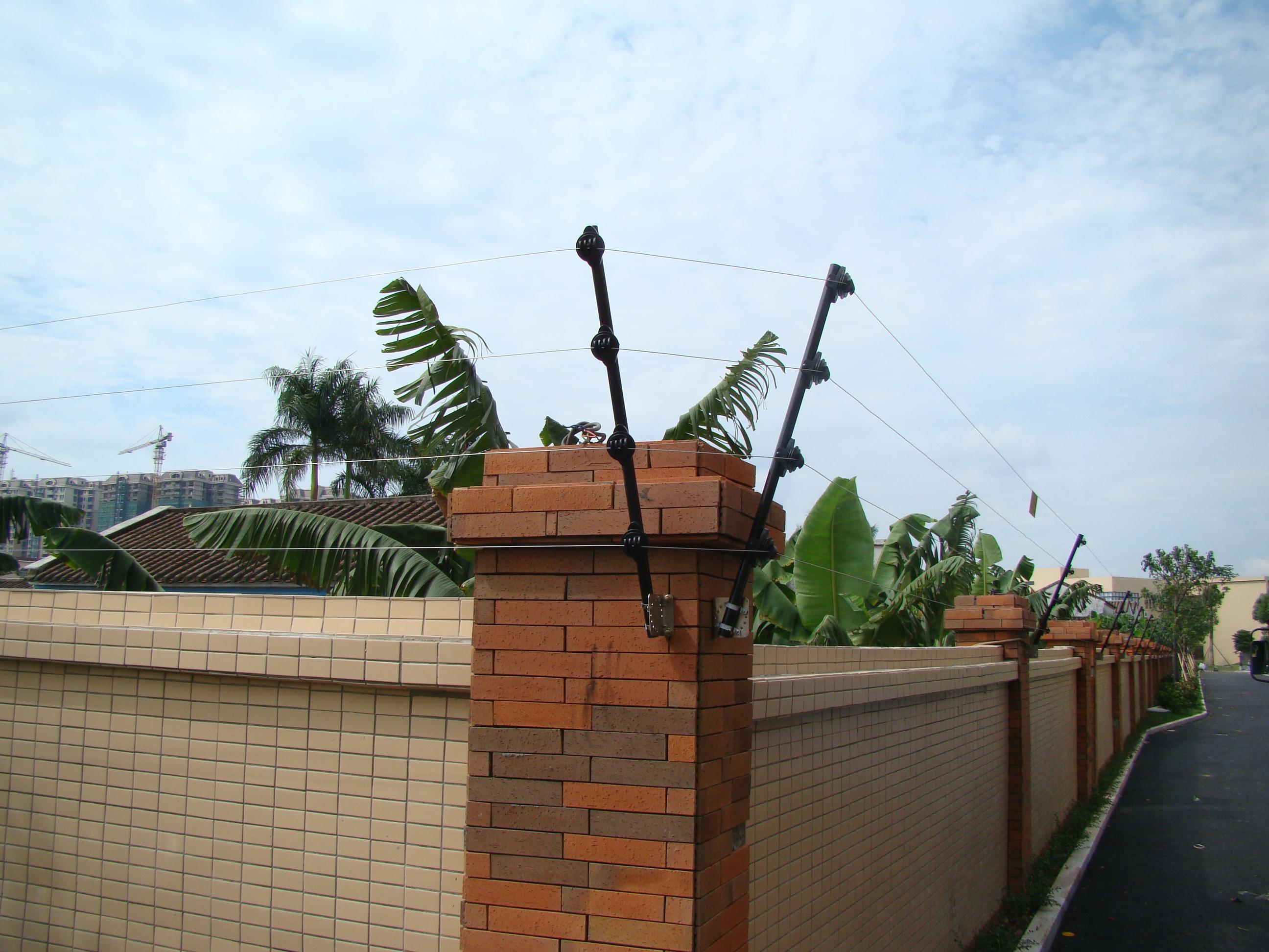 防盗报警 防盗锁 窗锁 > 电子围栏 脉冲电子围栏 电子围栏防盗系统