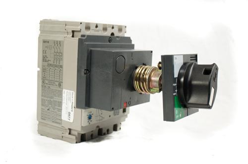 施耐德资质代理商A9A15416断路器