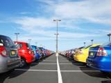发展智慧停车 完善停车位产权制度