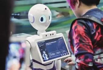 医用就去干网导诊机器人需求高涨,华北工控嵌入式计算机助其创新升级