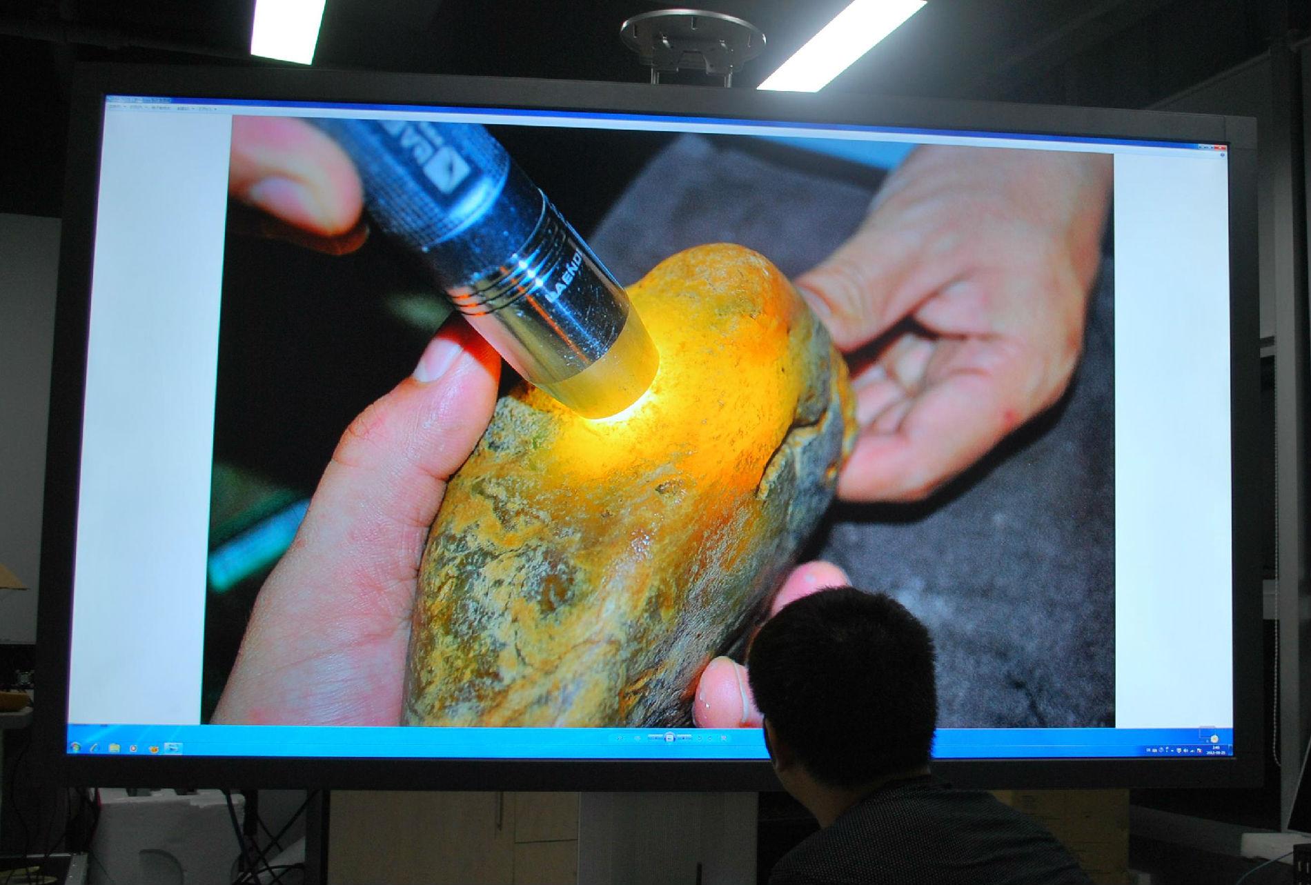 安防专用液晶监视器 高清显示 多尺寸选择