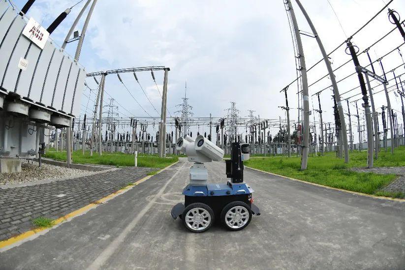 守护万家灯火:华北工控创新打造电力巡检机器人用计算机产品方案