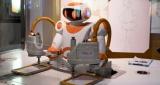 机器人,上岗了!这些人或将失业?
